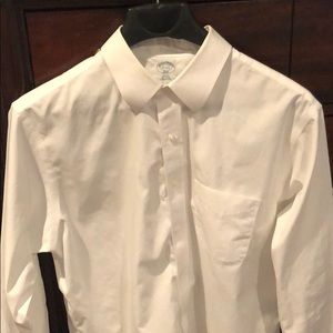 Men's Brooks Brothers non-iron slim fit shirt